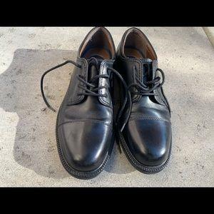 Dockers cap toe dress shoes - Black, Sz 11